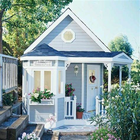 Blue Cottage by Blue Cottage Living Small
