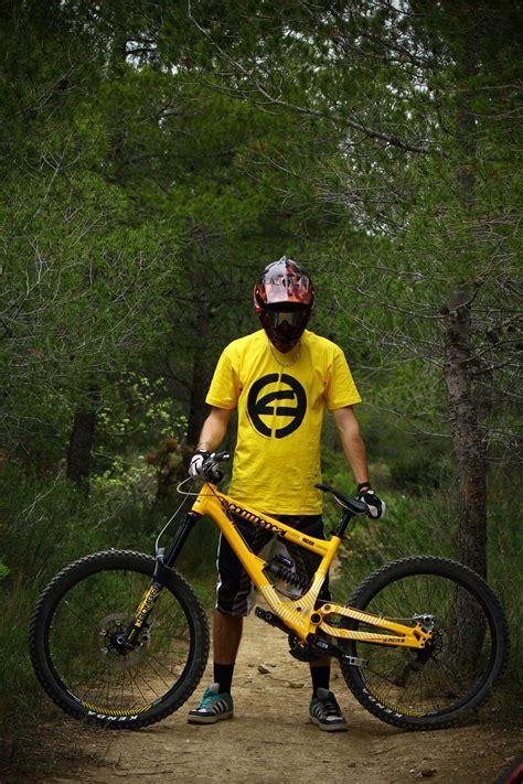 commencal supreme 8 bikecheck commencal supreme 8 de quentin barbot mtb check