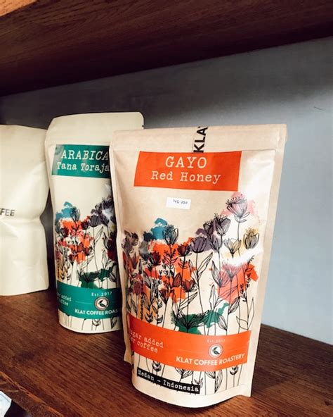 klat kopi kedai kopi kecil  menebar kebahagiaan besar majalah otten coffee