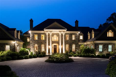 House Of The Day Riverview Manor Located In Mclean Luxury Homes In Mclean Va