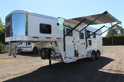 horse trailer awning 2017 exiss escape 7304 lower divider panel electric awning 3 horse trailer