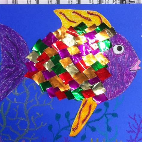 rainbow fish pattern for kindergarten kindergarten project rainbow fish crafty stuff