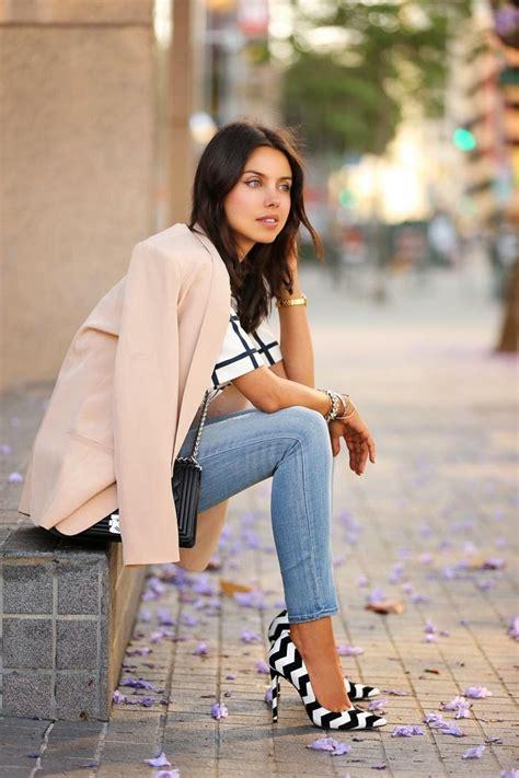 pick   flattering footwear   jeans