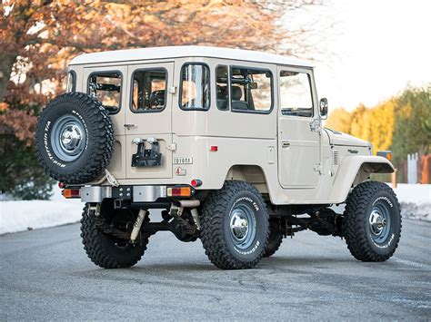 Toyota FJ40 Land Cruiser Offered at Auction Without