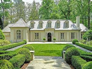 what color to paint brick house things that inspire painted brick houses what color to