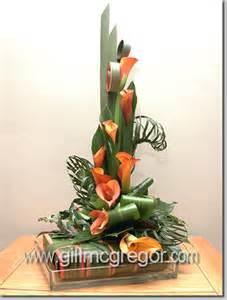leaf manipulation contemporary flower arranger