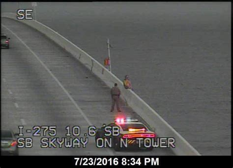 boat rs near skyway bridge 2016 skyway bridge jumpers