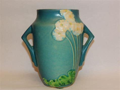 roseville pattern numbers roseville pottery primrose vase from tottysantiques on