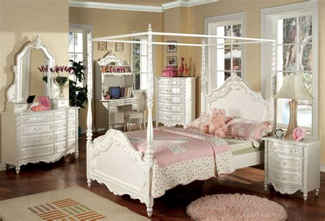 Queen Canopy Bedroom Sets | best queen canopy bedroom sets images rugoingmyway us