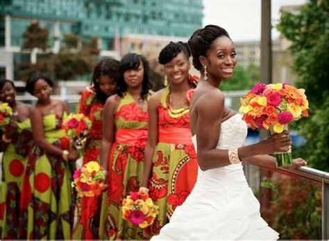 Noiva com Classe: Vestidos da África: noivas, mães