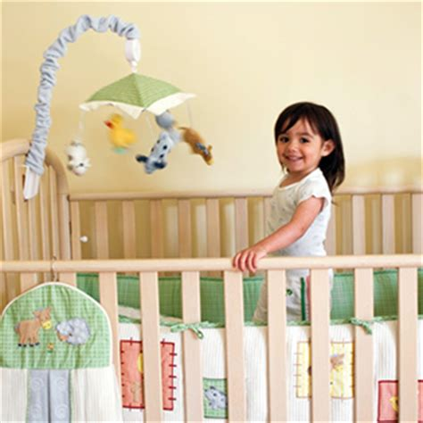 when to switch to a toddler bed switching from crib to toddler bed what to expect