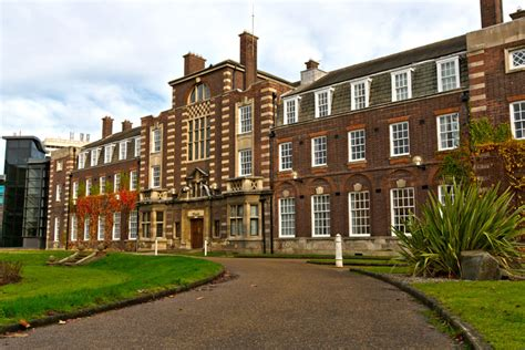 Hull College Of Business Mba by Of Hull Business School Study Pittaway