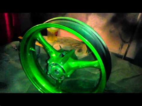 painting kandy green on motorcycle wheels