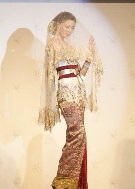 Kebaya Jadi Modifikasi Premium 2 the original indonesia clothing kebaya pengantin modifikasi avantie fashionshow 2