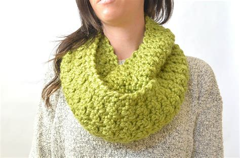 pattern for thick yarn scarf chunky yarn infinity scarf crochet pattern crochet and knit
