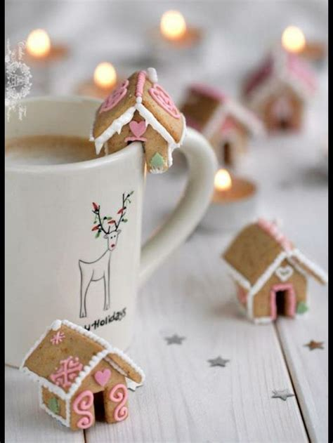 mini gingerbread houses i love christmas pinterest