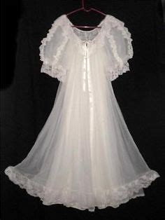 Tosca Tie Set lace peignoir set 1970 s white lace wedding nightgown and