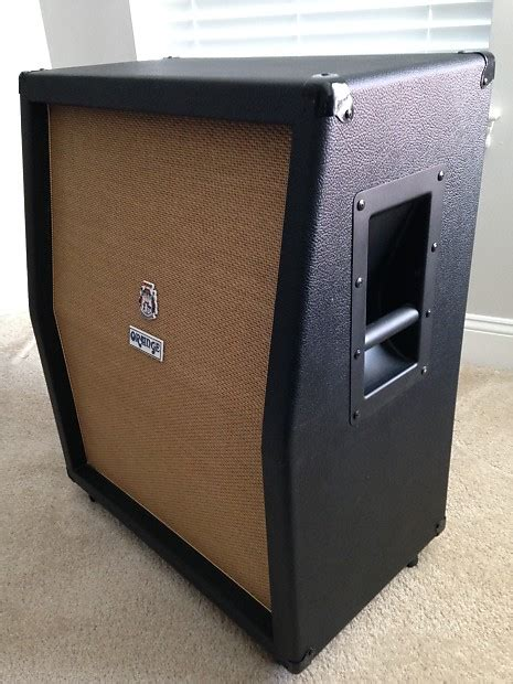 empty 2x12 vert guitar speaker cabinet wheat grill mesa