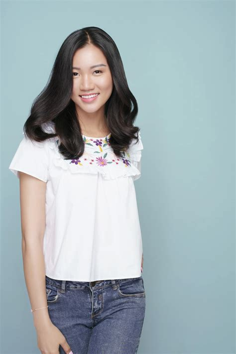 gaya rambut wanita panjang lurus model rambut