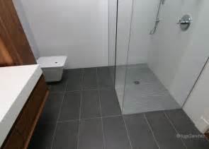 How to Renovate a Bathroom Ceramic Floor   Renovation Quotes
