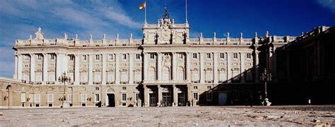 palacio real madrid entrada gratuita 36 museos gratis de madrid horarios actualizados 2018