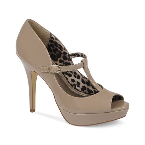 fergie shoes fergie fergalicious shoes excited platform pumps in beige