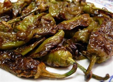 come si cucinano i peperoncini verdi peperoncini dolci friggitelli o friarelli giornale
