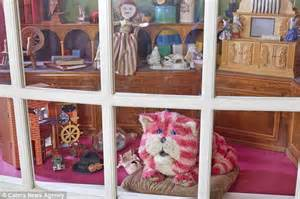 One Story Farmhouse bagpuss and the little girl who owned him meet up for 40th