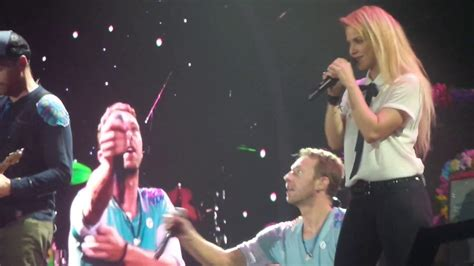 download mp3 coldplay india coldplay amp shakira a sky full of stars live at global