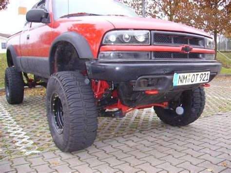floor ls with extended arm pyramidialmind 2003 chevrolet s10 extended cabls 3d