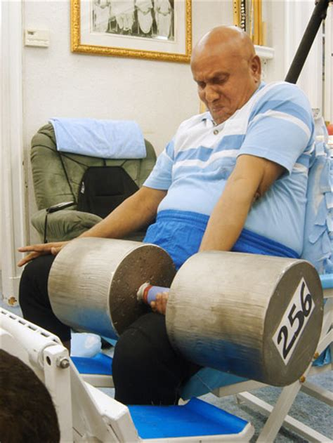 heaviest ever bench press 74 year old sri chinmoy wrist curls a mammoth 256 lb