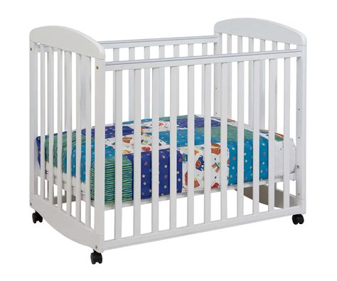 Baby Crib by Davinci Alpha Mini Rocking Baby Crib In White M0598w
