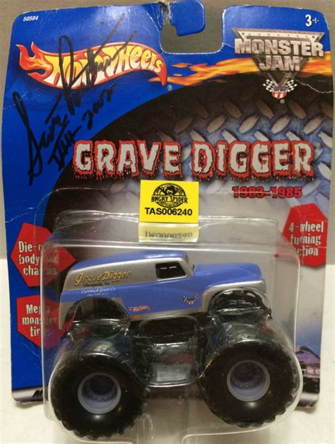 truck toys grave digger tas032317 mattel autographed wheels grave digger