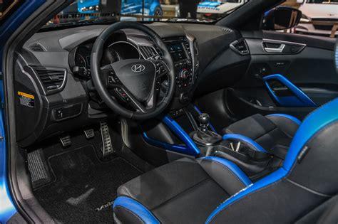 hyundai veloster 2016 interior 2016 hyundai veloster first look photo gallery motor trend