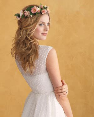 dainty wedding hairstyle ideas spring 2016 the best wedding hairstyles for round faces martha