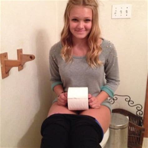teen public toilet pessing girls on the toilet toiletgirls twitter