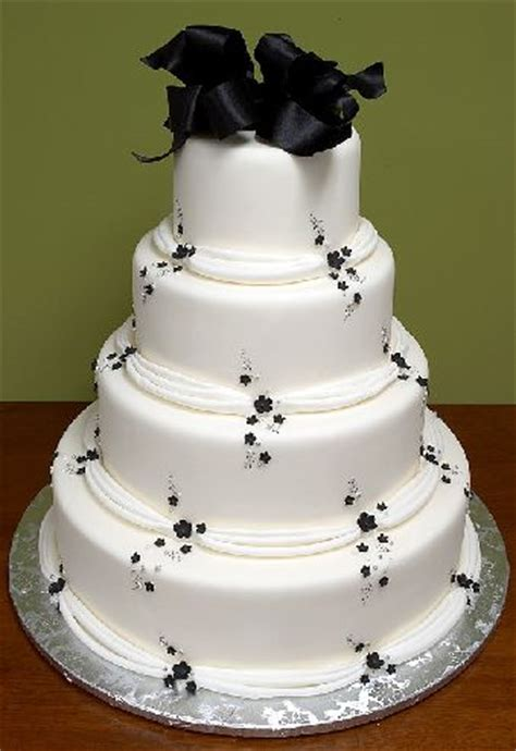 Black And White Wedding Cakes by Mi Cakes Limited Black And White Wedding Cakes