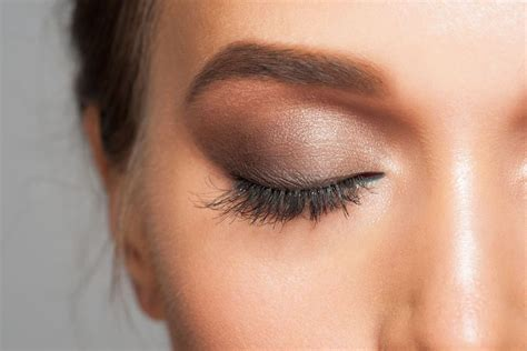 5 ways lash extensions can make summer even more