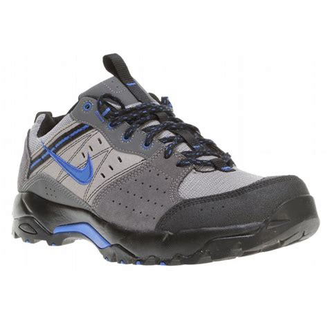 nike hiking boots for up to 80 nike salbolier hiking shoes mens
