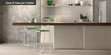 resina per piastrelle rinnovare la cucina nuovo pavimento senza togliere le
