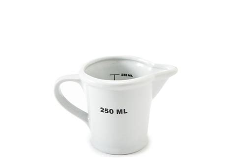 measuring cup 250 ml
