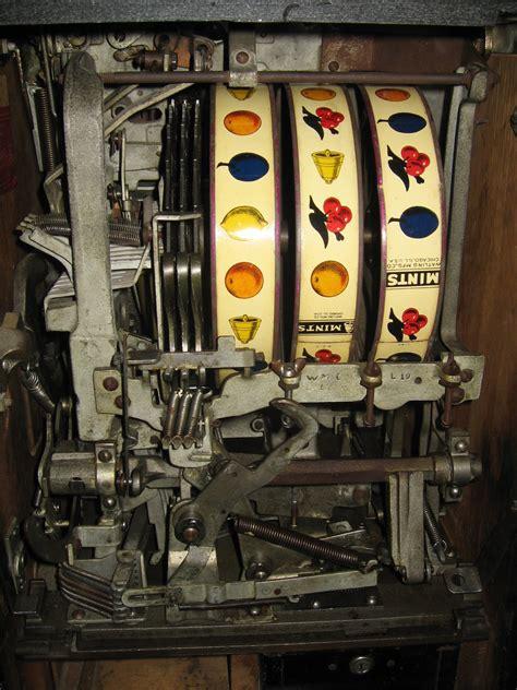 watling rol  top twin jackpot slot machine  mint