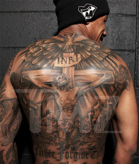 nick cannon tattoo of mariah name this is oddzout nick cannon finally covers ex