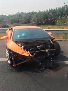 Lamborghini Crash Lamborghini Huracan Crashes In Gtspirit