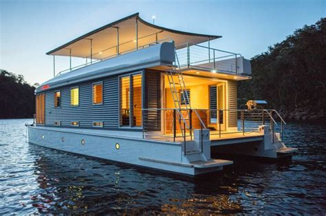 fast houseboat world s first solar powered houseboat docks boats and