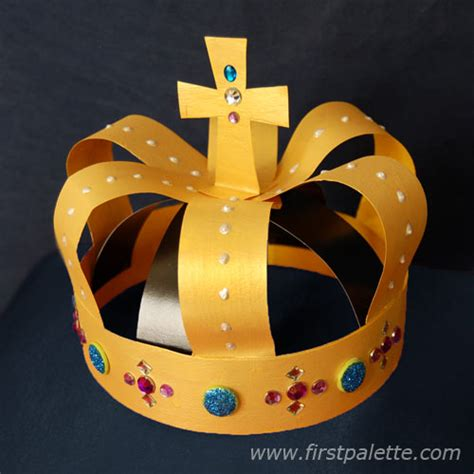 How To Make A Crown Out Of Construction Paper - gold crown craft crafts