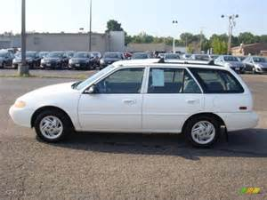 1998 performance white ford se wagon 35533977
