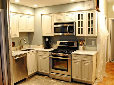 best color for small kitchen cabinets weinda