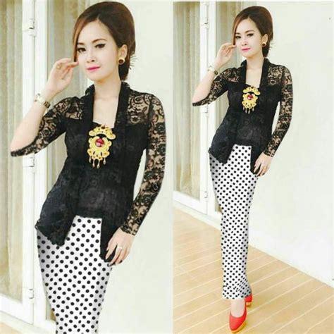 Baju Muslim Setelan Kebaya Set Rok Batik Arina Laser Lorek Marun model baju setelan rok kebaya brukat kutubaru terbaru