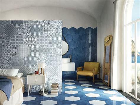 piastrelle maiolica prezzi gres porcellanato esagonale stile maiolica oltremare